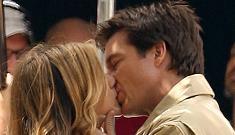Jennifer Aniston and Jason Bateman kiss on set