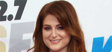 Meghan Trainor wore the same dress in different colors Friday & Saturday: cute?