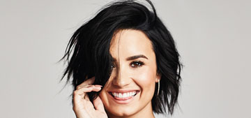 Demi Lovato on sharing her story: 'girls show me their arms covered in scars'
