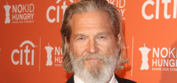 Jeff Bridges: 'I'm a Hillary supporter and I don't go the Trump way'