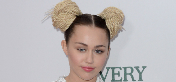 Miley Cyrus got a new dog, spent her holiday weekend with Liam Hemsworth