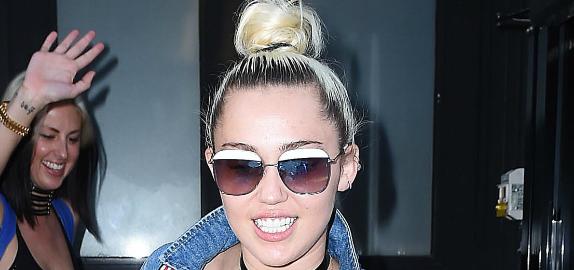 Miley Cyrus got a Vegemite tattoo, will she marry Liam Hemsworth soon?
