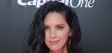 Is Olivia Munn behind Aaron Rodgers' estrangement from his family?