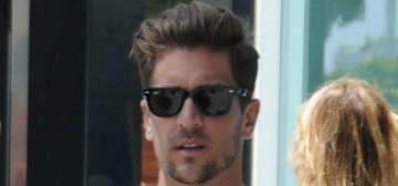 Engaged Jordan Rodgers is still swiping on Tinder: stupid or practical?