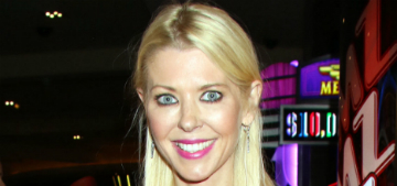 Why did Tara Reid smear makeup on her face for a selfie?
