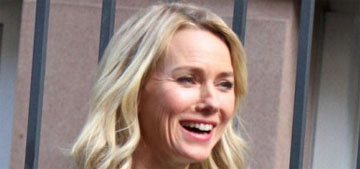 Naomi Watts is at work and looks like she's doing fine: reassuring?