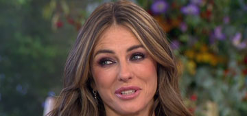 Elizabeth Hurley recreates bikini pic from 16 years ago, looks the same