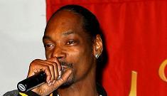 Snoop Dogg takes the rap for pot smoking employee