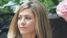 Bette Midler wants Jennifer Aniston to go on JDate