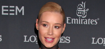 Iggy Azalea thanks her plastic surgeon for her boobs and nose again