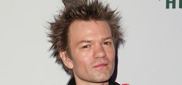Deryck Whibley couldn't even talk on the phone without having a drink first