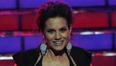 Kara DioGuardi strips down to a bikini on American Idol finale