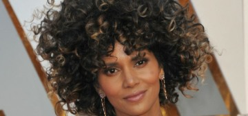 Halle Berry in Versace & a giant wig (??) at the Oscars: amazing or tragic?