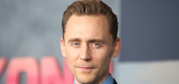 Tom Hiddleston wore an IWD purple ribbon to the 'Kong' LA premiere
