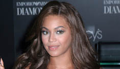 Beyonce launches new fragrance. Who doesn't have a perfume?