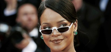 Rihanna's new boyfriend had a 'life-sized bear' flown on a private jet to 'woo' her