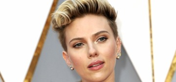 Scarlett Johansson seems to be successfully & publicly dating two dudes at once