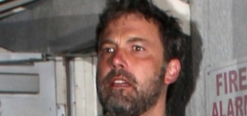 Ben Affleck let Lindsay Shookus hold his arm when the paps were there