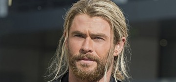 """The latest 'Thor: Ragnarok' teaser trailer is quite charming"" links"