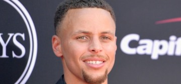 Steph Curry says he won't visit the White House, so Trump 'disinvites' him