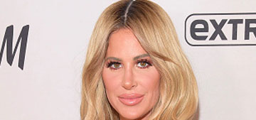 Kim Zolciak snapchats her 3-year-old daughter getting her ears pierced