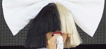 Sia halts nude photo sale by releasing the image herself