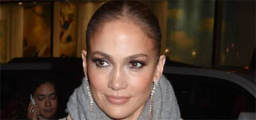 Jennifer Lopez took a selfie in bed with sleeping Alex Rodriguez