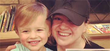Kelly Clarkson's daughter River, 3, got signed Wonder Woman gifts from Gal Gadot
