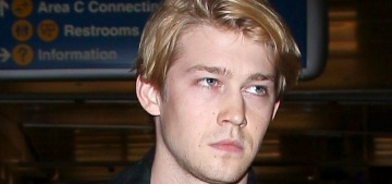 Joe Alwyn flew first-class from London to LA, probably to spend NYE with Tay-Tay?