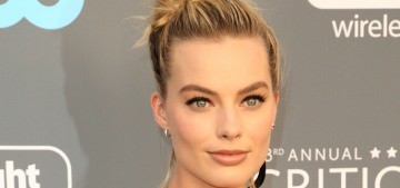 Margot Robbie in Chanel at the Critics Choice Awards: terrible or fun?