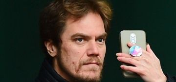 """""""Michael Shannon's selfie face is beautifully intense, hilarious"""" links"""