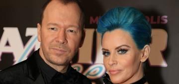 FYI: Jenny McCarthy still has Smurf-blue hair & it still looks really stupid
