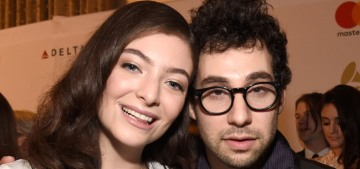 Jack Antonoff & Lorde were photographed looking coupled-up in New Zealand