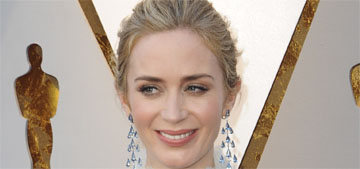 Emily Blunt in Schiaparelli at the Oscars: one of the worst or not bad?