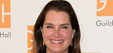Brooke Shields is on vacation and modeling bikinis
