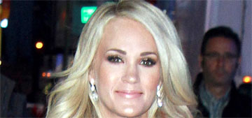 Carrie Underwood posts first photo of herself since her accident requiring stitches