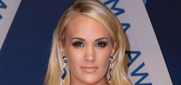 Carrie Underwood shares photo of her whole face, but it's from far away