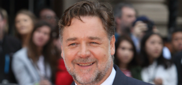 "Russell Crowe had a ""divorce auction"" and made $3.7 million"