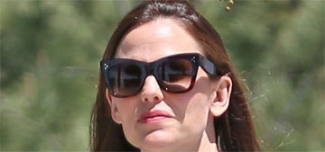 Jennifer Garner's giant scarf was a handmade gift from her daughter