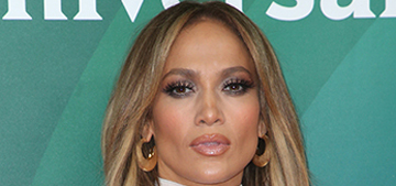 Alex Rodriguez texted Jennifer Lopez from the bathroom on their first date