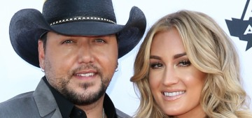 Star: Jason Aldean was 'snide' about his wife & he's hanging out with Miranda Lambert