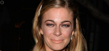 How bad is LeAnn Rimes' makeup, on a scale of 'dear God' to 'yikes'?