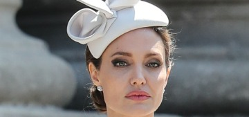 Let's just sit quietly & enjoy pretty photos of Angelina Jolie leaving the cathedral