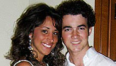 Kevin Jonas gets engaged to a hairdresser
