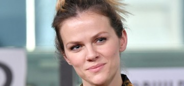 """Brooklyn Decker's entire ensemble is messy and bizarre"" links"