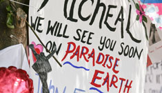 Michael Jackson's memorial gets 1.6 mill requests; Joe Jackson still not grieving