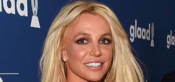 Britney Spears does two hours of yoga every night on tour