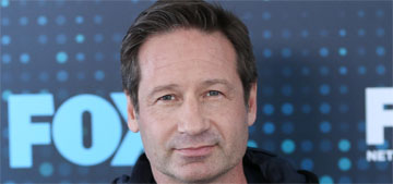 David Duchovny, 58, has a 25 year-old girlfriend & they got papped on the beach