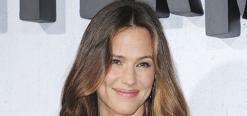 Jennifer Garner is refusing to be the ashes at the premiere for Peppermint, right?