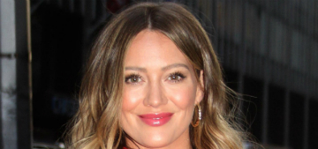 Hilary Duff shows off a ring on her left ring finger: engagement or sponcon?